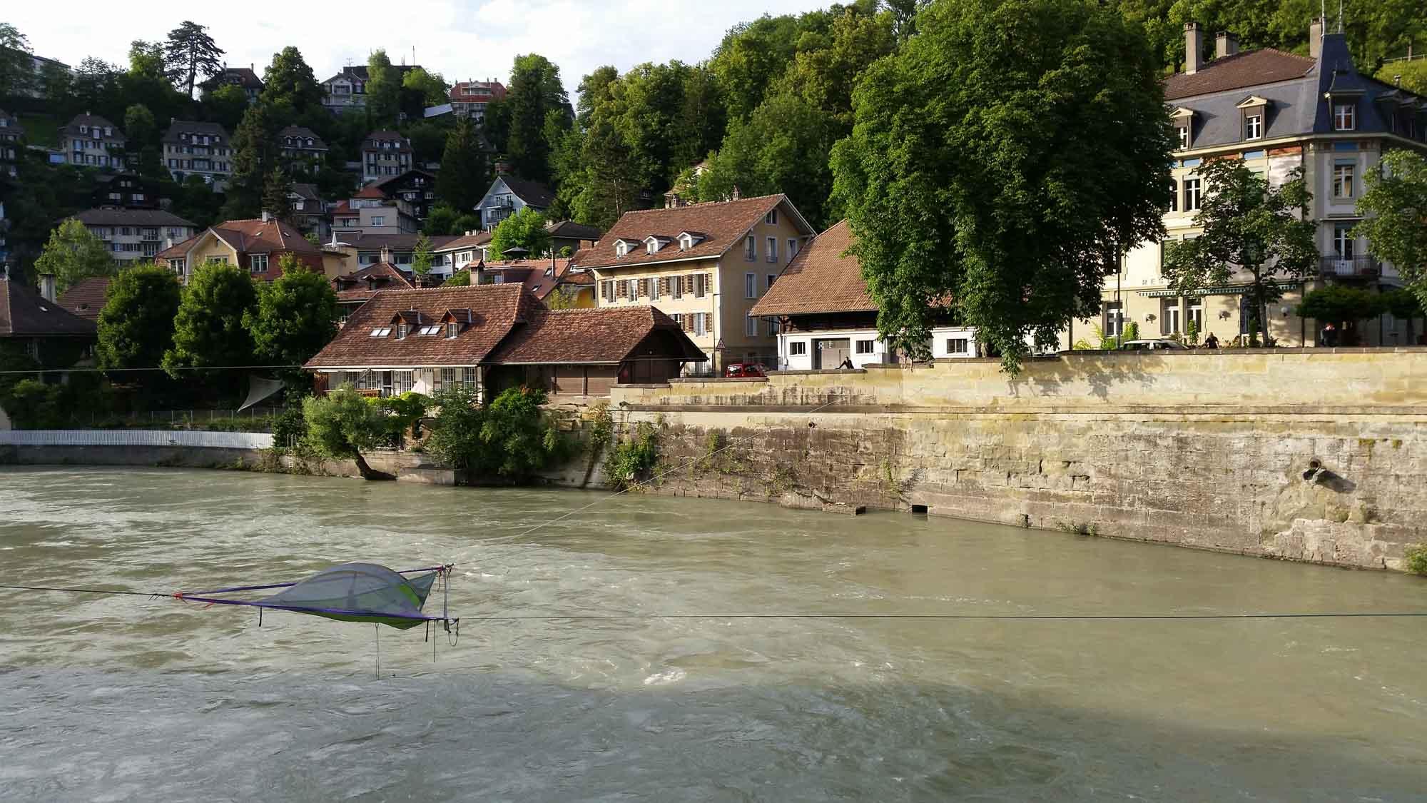 Slakeline Aare Bern